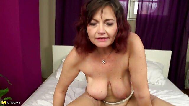 Modelo de moda de triple xxx pornografia culo fino Jenna explotada por su cuerpo caliente